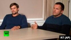 «Александр Петров» (справа) и «Руслан Боширов» дают интервью телеканалу RT. Скриншот видео.