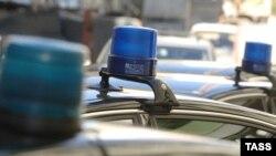 Проблесковые маячки на машинах чиновников вызывают ярость у автовладельцев.