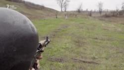 «Ми так давно готуємось, хай вже йдуть» – добровольці з Донбасу під час навчань (відео)