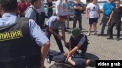 Задержание подозреваемого в стрельбе в Алматы.