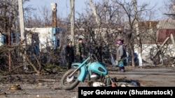 Місцеві жителі на Донбасі (ілюстративне фото) ©Shutterstock