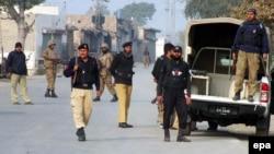 Пакистан полициясы.