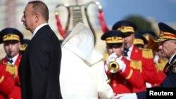 Prezidentlə Roma Papasının görüş anı