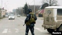 После нападения молодых людей на полицейских в Грозном 17-18 декабря немедленно была начата спецоперация по выявлению членов их семей и друзей
