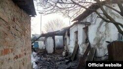 Зруйнований внаслідок обстрілу будинок в Авдіївці, 16 лютого 2017 року