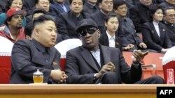 Кім Чэн Ын з баскетбалістам Дэнісам Родманам