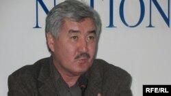 Амиржан Косанов на пресс-конференции в Алматы 24 сентября 2008 года.