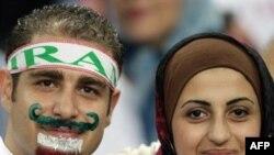 تماشاگران ایران در دیدار با تیم ملی فوتبال ایران برابر مالزی