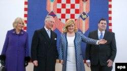 Şahzadə Charles (soldan ikinci) və Xorvatiya prezidenti Kolinda Grabar-Kitarovic (sağdan 2-ci)