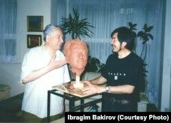 Чыңгыз Айтматов (1928--2008) менен Ибрагим Бакиров. Брүссел ш.