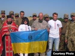 «Марина Квітка» з іншими волонтерами