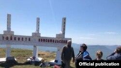 """Памятник """"Стойкости комсомольской"""" на горе Семашхо в Краснодарском крае"""