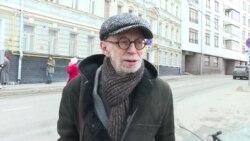 Лев Рубинштейн приехал поддержать Зою Светову
