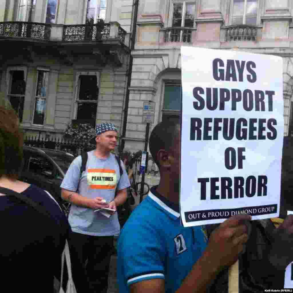 Поддержку сирийским беженцам, высказали разные общественные группы и движения – например, представители ЛГБТ-сообщества и Антисионистское еврейское движение