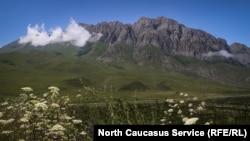 Горы Северной Осетии, иллюстративное фото