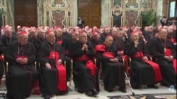 Papa Benedict îşi ia la revedere de la cardinali