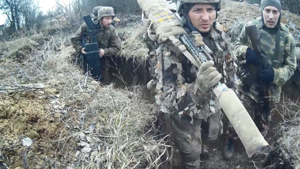 Видео с камеры снайпера: штаб ООС показал российский спецназ на Донбассе