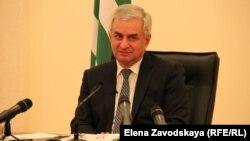 Рауль Хаджимба сегодня отвечал на вопросы журналистов ведущих абхазских СМИ