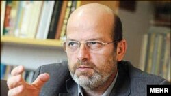 حسن مسلمی نائینی معاون امور بورسیه دانشجویان خارج از کشور در دولت محمود احمدینژاد
