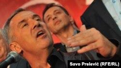 Čekajući saznanja o uključenosti političkih struktura u dešavanja u CG: Milo Đukanović