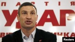 """""""Удар"""" партиясының жетекшісі, кәсіпқой боксшы Виталий Кличко."""