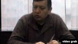 Низомхон Ҷӯраев ҳангоми сухан дар телевизиони давлатии Тоҷикистон, шоми 7-уми апрели соли 2012.