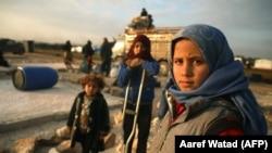 Сирийские семьи готовятся бежать от наступления сил Асада на север