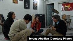 """محسن نامجو، سارا نائینی، تورج اصلانی و ترنگ عابدیان در پشت صحنه فیلم """"نه یک توهم"""""""
