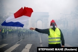 Протест «желтых жилетов» в Париже, Франция. 1 декабря, 2018 года