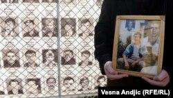 Porodice nestalih sa Kosova podsećaju na svoje najmilije čija tela još nisu nađena