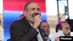 Armenia - Prime Minister Nikol Pashinian speaks at a rally in Yerevan, 17 August 2018.