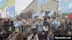 Сторонники Верховной Рады продолжают съезжаться в Киев