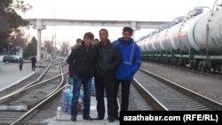 Roberts: Nebit çalşygy Aşgabat-Tähran gatnaşyklarynyň gowulaşýandygyny görkezýär