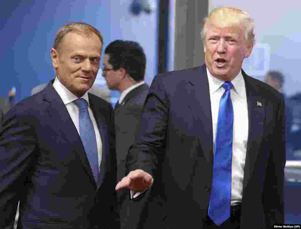 САД - Соединетите држави и Европската унија ја заострија реторика во врска со меѓусебните трговски односи, откако претседателот Доналд Трамп најави царини за еврпските производи. Брисел вели дека е подготвен на нови преговори, но не во услови на закани од Трамп.