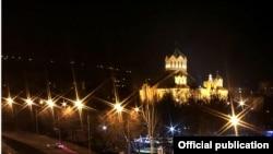 Երևանի Սուրբ Գրիգոր Լուսավորիչ եկեղեցին՝ գիշերով, արխիվ