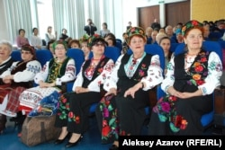 Участницы украинского хора. Алматы, 4 марта 2014 года.