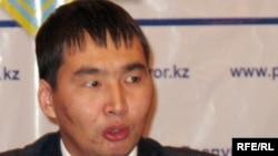 Қазақстан бас прокуратурасының ресми өкілі Нұрдәулет Сүйіндіков. Астана, 10 желтоқсан 2009 жыл.