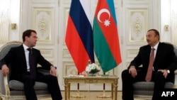 Ильхам Алиев (справа) и Дмитрий Медведев, Баку, 18 ноября 2010