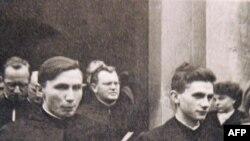 Georg and Josef Ratzinger (sağda) Freisingdə, 1951-ci il