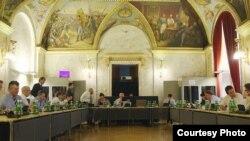 Imagine de la negocierile de la Viena, 13.07.2012 (Foto: OSCE/Lyndon Allin)
