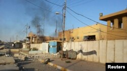 A police station in the town of Hit, Anbar Province, damaged by heavy fighting earlier this month. (file photo)