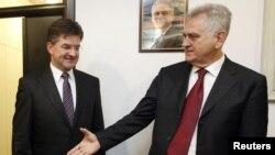 Presidenti i zgjedhuri Serbisë, Tomisllav Nikoliq dhe ministri i Jashtëm i Sllovakisë, Mirosllav Lajçak, Beograd, 24 maj, 2012