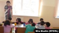 Дети, инфицированные ВИЧ, в центре «Мать и дитя». Шымкент, 30 ноября 2010 года.