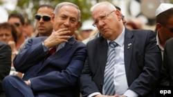 رئووِن ریولین، رئیسجمهوری اسرائیل (راست) همراه با بنیامین نتانیاهو که از بخت زیادی برای تشکیل دولت جدید برخوردار است.