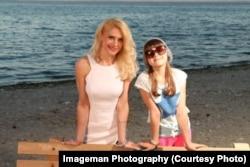 Оксана з донькою Кароліною