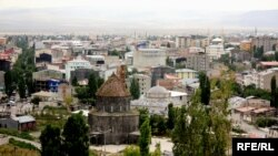 Orxan Pamukun «Qar» romanındakı bir kədər var bu şəhərdə