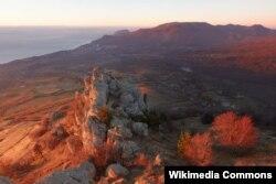 Демерджі на світанку, фото з Вікіпедії