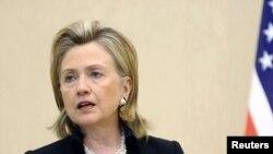 ABŞ-nyň Döwlet sekretary Hillary Klinton Birleşen Ştatlar özüniň regiondaky kiçiräk hyzmatdaşlaryny taşlaman, Moskwa bilen dostluk gurup biler diýen pikiri tassyklady.
