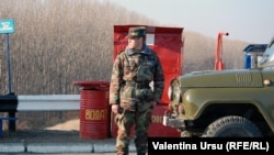 Moldova Rusiya hərbçisi - 2012