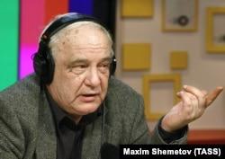 "Moskwa, 16-njy oktýabr, 2007. W.Bukowskiý ""Moskwanyň ýaňy"" radiosyna interwiýu berýär."